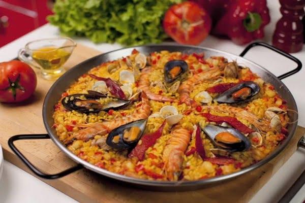 paella valenciana-gli-italiani-scelgono-valencia